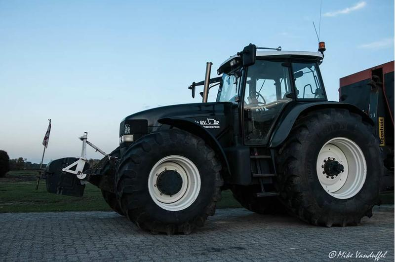 New Holland Tm199