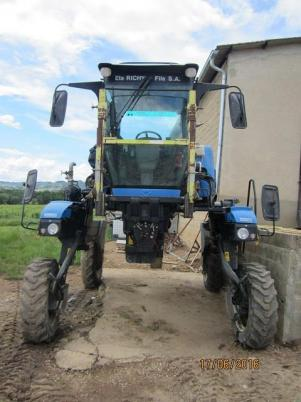 New Holland VN 260
