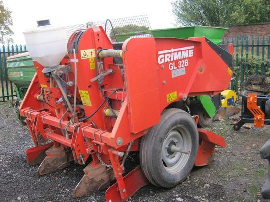 Grimme GL 32B Potato Planter
