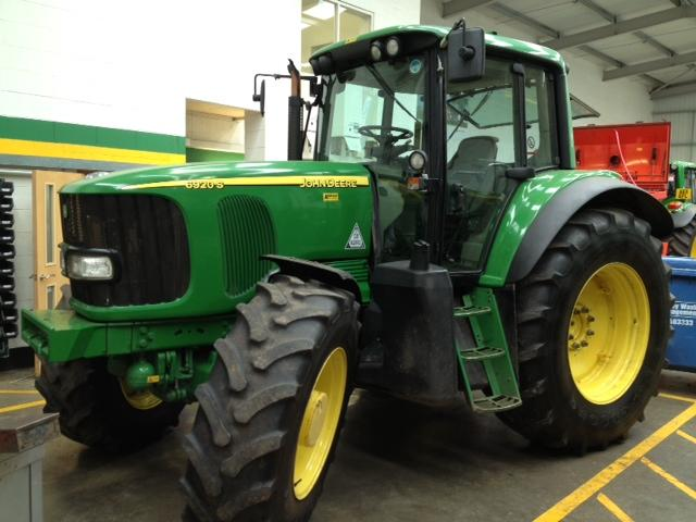 John Deere 6920s