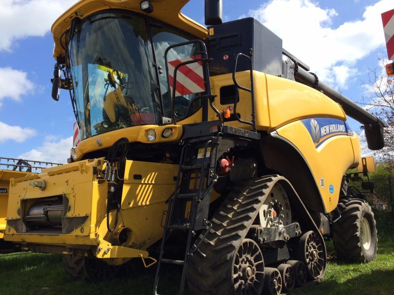 New Holland CR8080Raupe