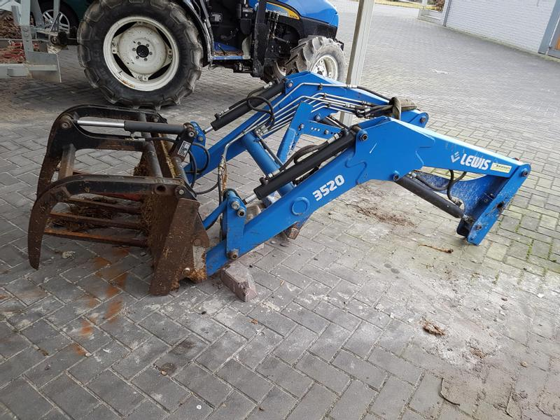 New Holland TCE 50  4 wd