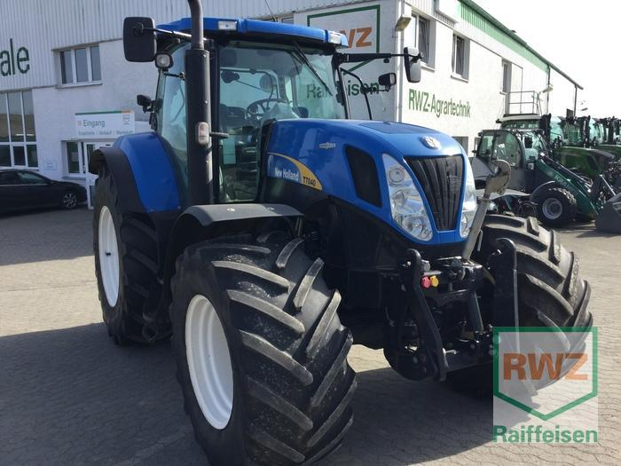 New Holland T7040 AC