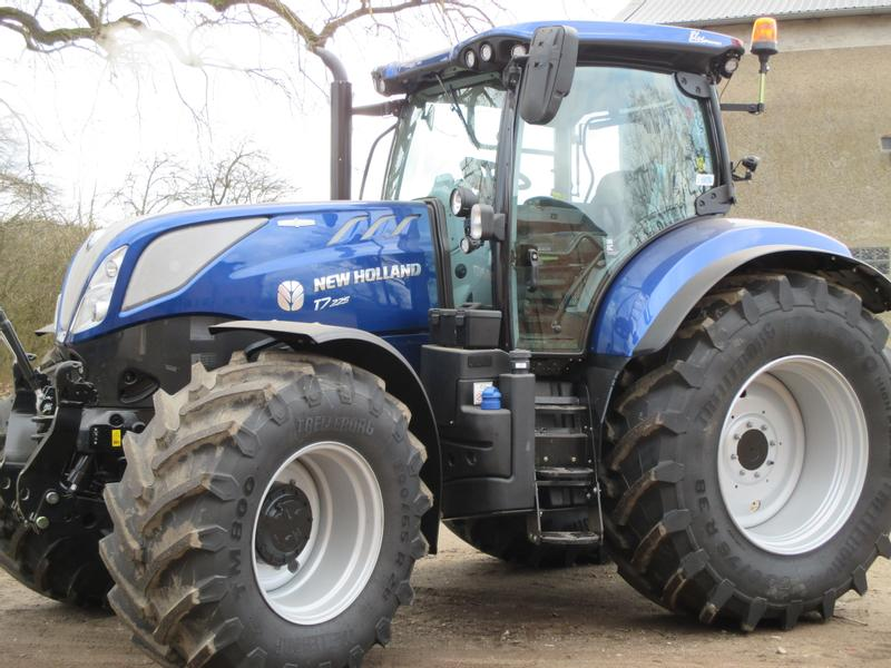 New Holland T 7.225 Auto-Command