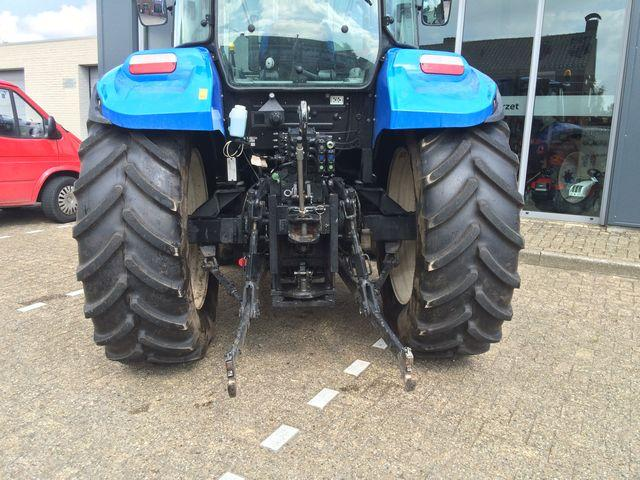 New Holland NEW HOLLAND T5.95 tractor