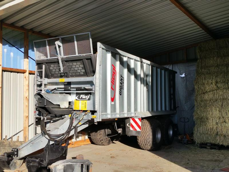 Fliegl ASW 271 21to 35m²