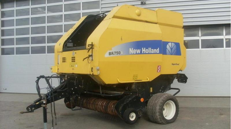 New Holland BR750 A