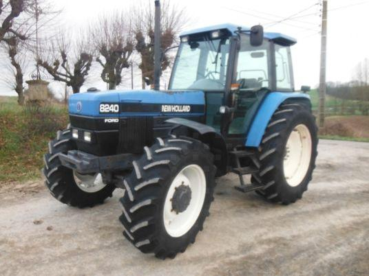 New Holland 8240