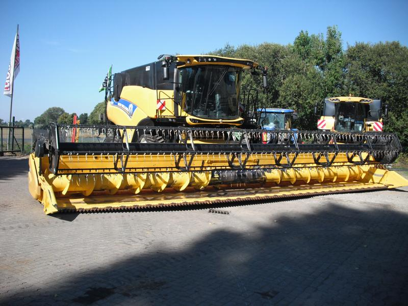 New Holland CR 9.80