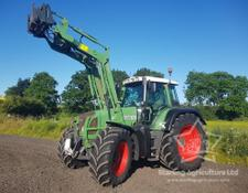 Fendt 820 with Loader