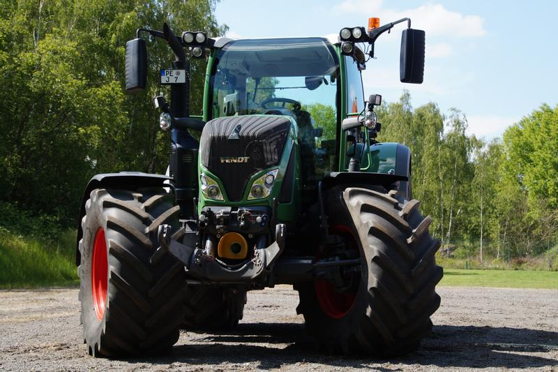Fendt 724 Vario S 4 Profi Plus