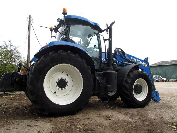 New Holland T7.235 SWII Tractor & Loader