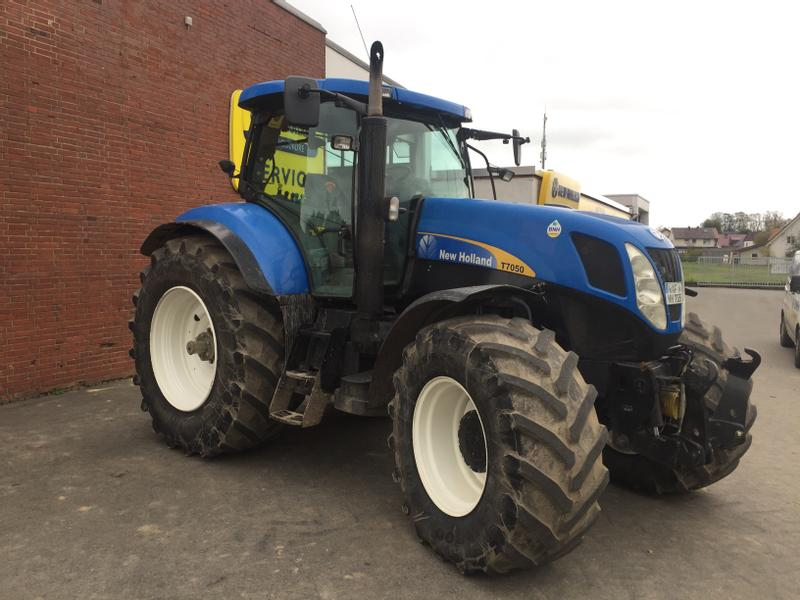 New Holland T7050 PC - Power Command