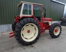 International 674 4WD collectors tractor