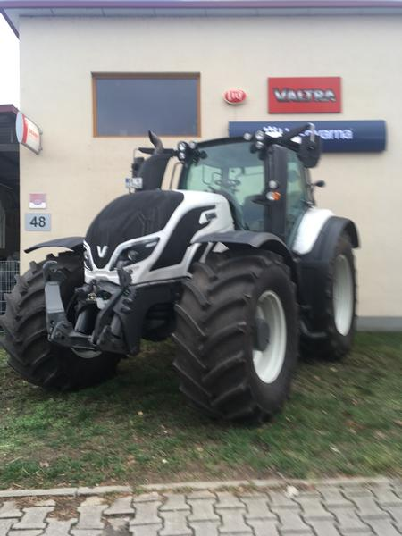 Valtra T 214 D Smart Touch