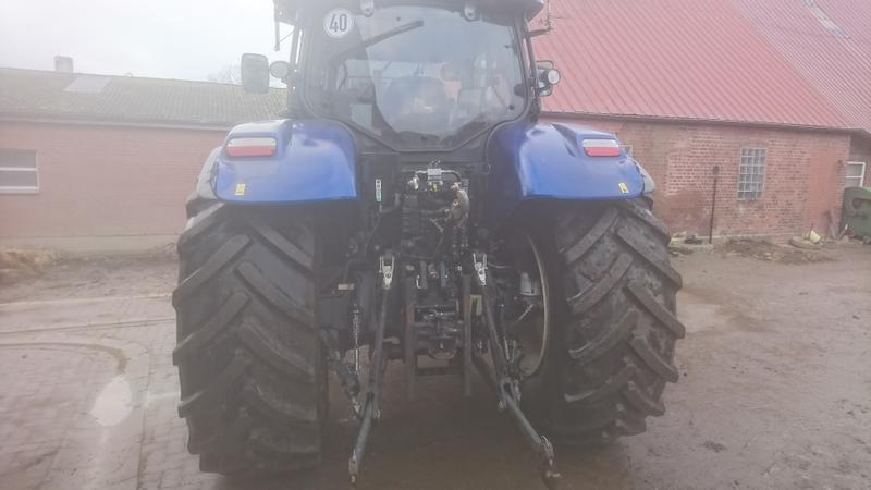 New Holland T 7.210 AutoCommand TM