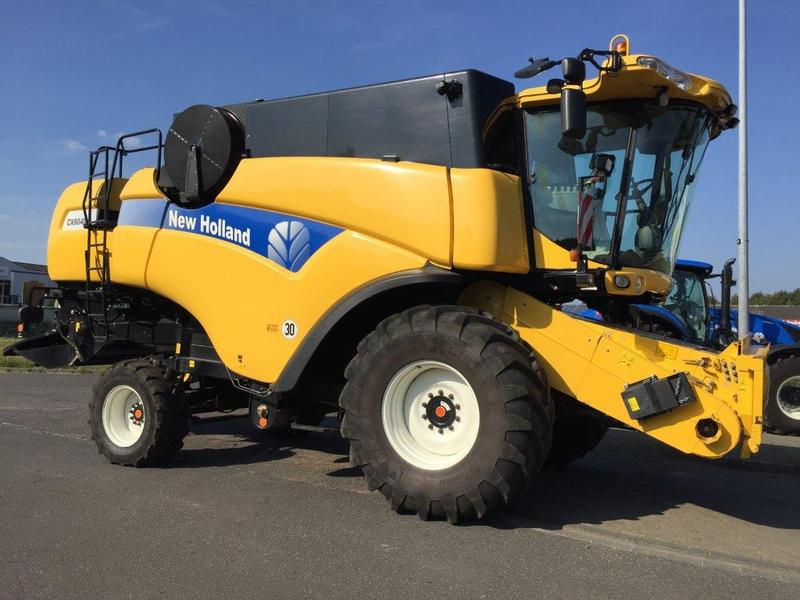 New Holland CX 8040