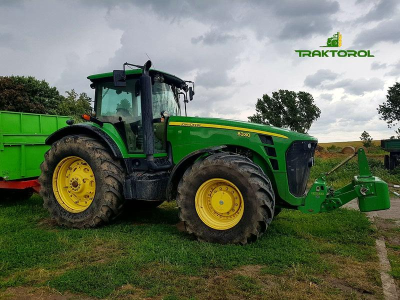 John Deere 8330 PowerShift