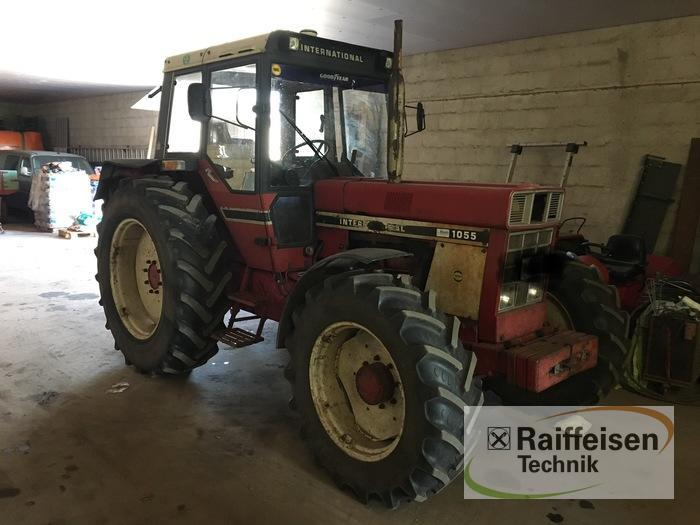 Case IH 1055 International