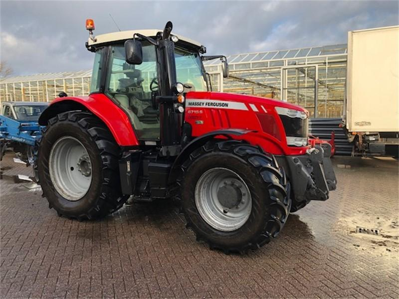 Massey Ferguson 6715 Dyna-VT Exclusive