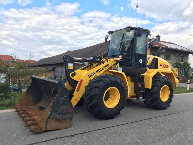 New Holland W130C