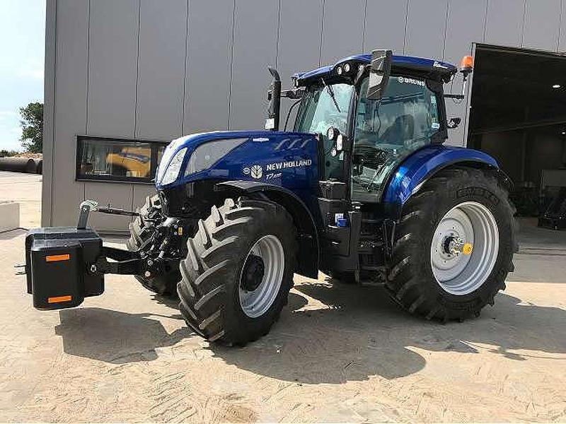 New Holland T7.225 AUTOCOMMAND M