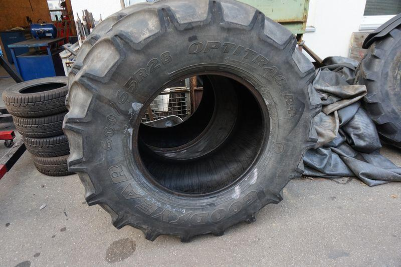 Good Year Reifen 600/65R28