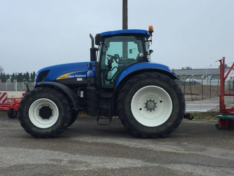 New Holland T7050 POWER COMMAND