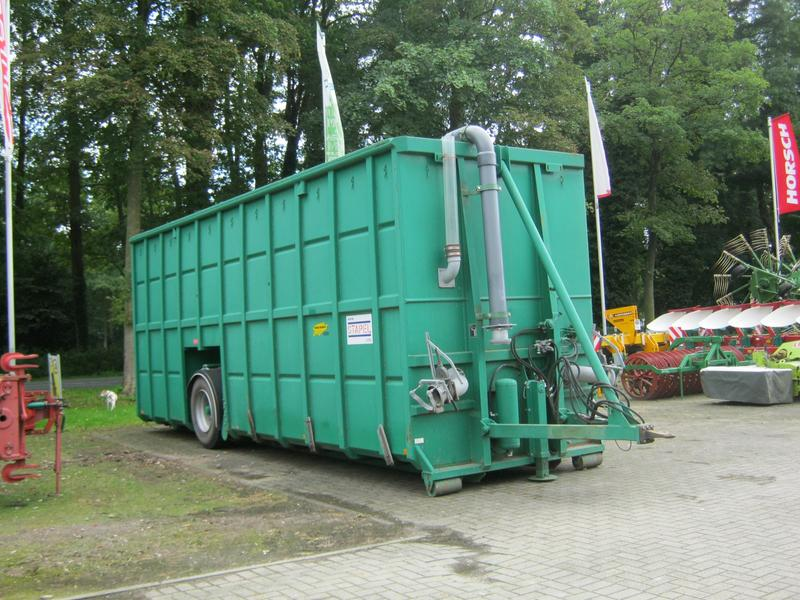 Stapel Feldrandcontainer