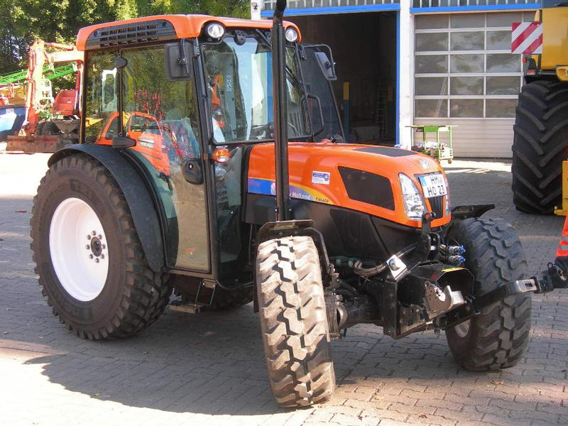 New Holland T 4040 F