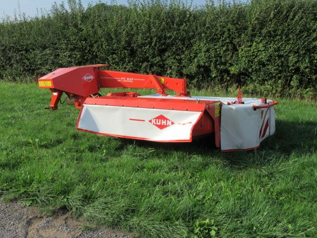 Kuhn FC243 Mounted Mower Conditioner