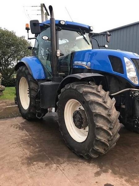 New Holland T7-235 (2014)