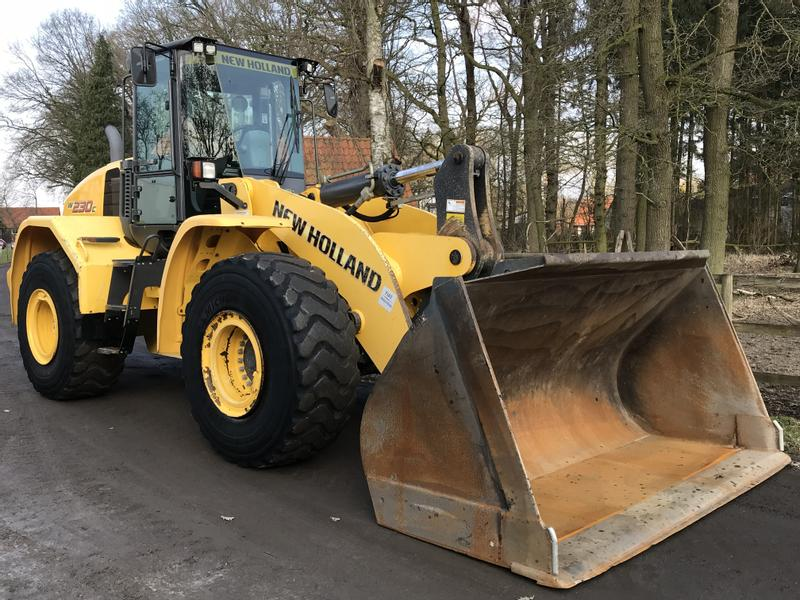 New Holland New Holland W 230 C Radlader Klima Top Zustand