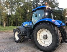 New Holland T 7040