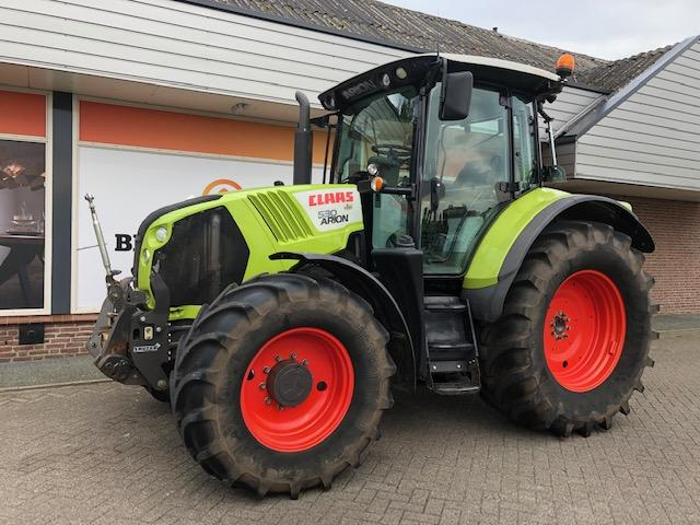 Claas Arion 540 cis, fronthef + PTO