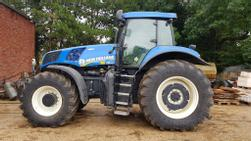 New Holland T8.300 AC