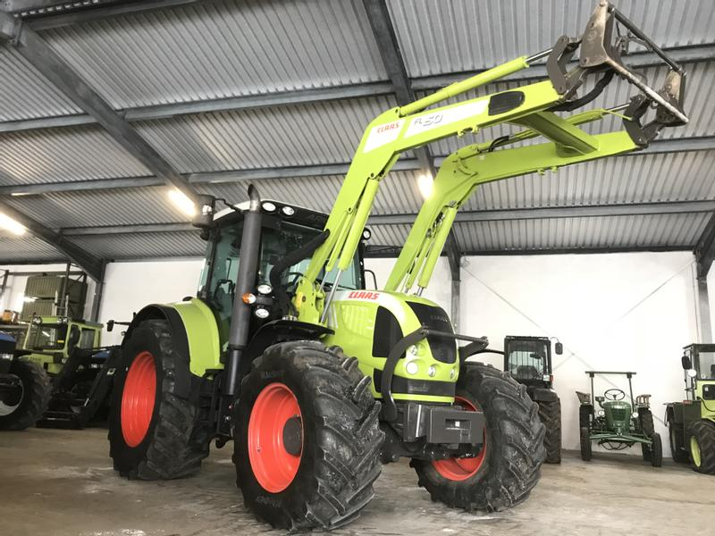 Claas Arion 640 CIS mit Frontlader