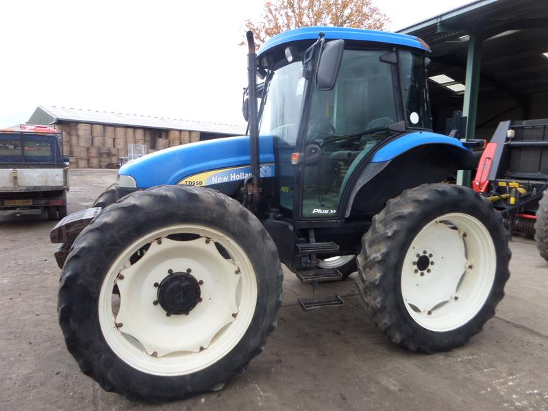 New Holland TD95D PLUS HIGH CLEARANCE