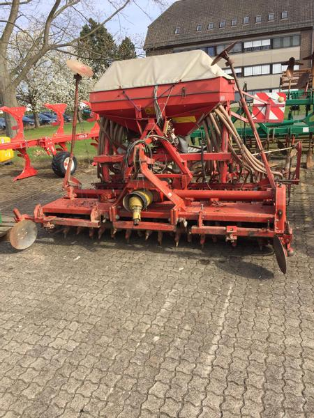 Kverneland Accord Säkompaktor DA + Rau Rotortiller RE30