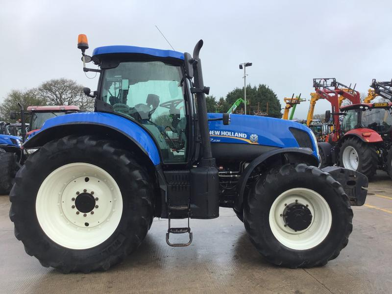 New Holland T7.235 Tractor (ST3955)