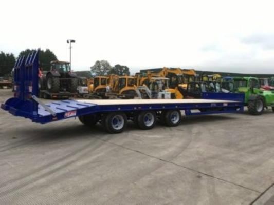 JPM 32FT LOW LOADER TRI AXLE