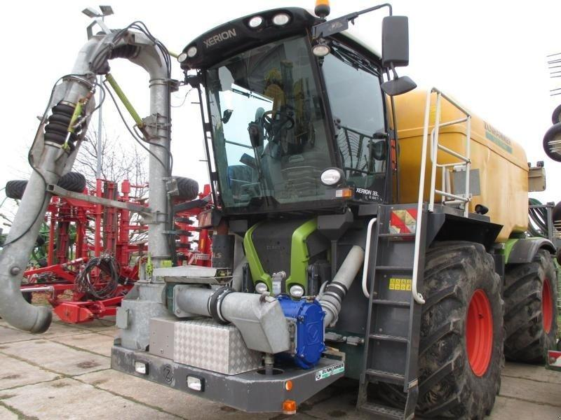 Claas Xerion 330