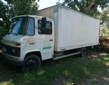 Mercedes-Benz L 608 D mit Ladebordwand