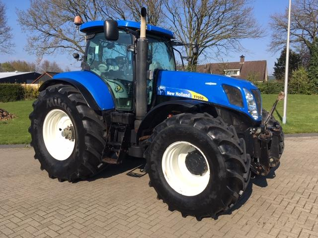New Holland T7050 AutoCommand