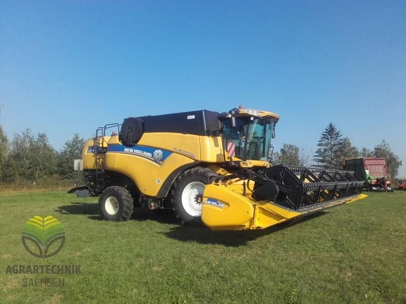 New Holland CX 8090 Elevation