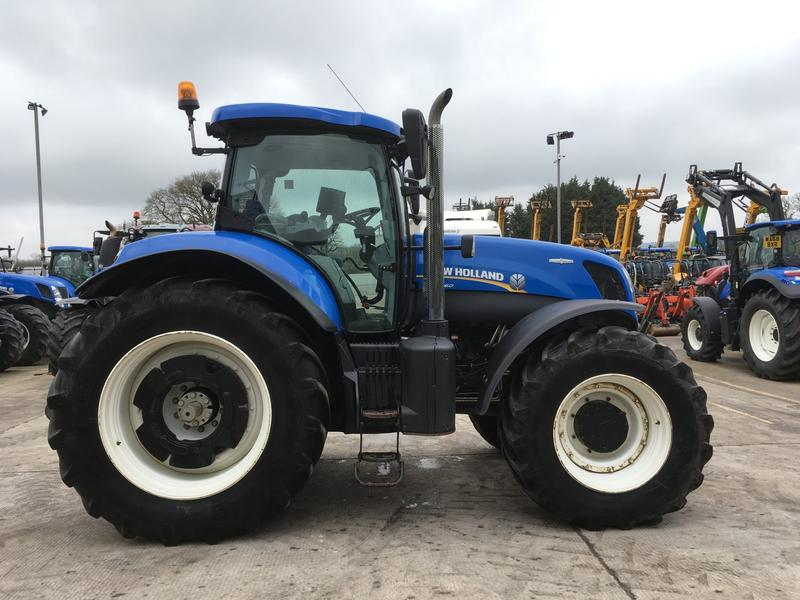 New Holland T7.260 TRACTOR (ST3195)