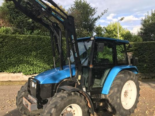 New Holland 6635 4wd c/w Trima loader