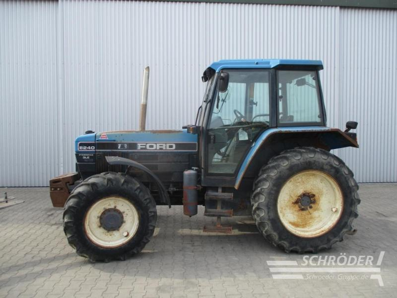 New Holland Ford 8240