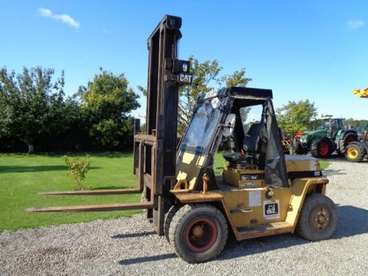 Caterpillar Used Cat V110 Masted Forklift