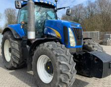 New Holland T8040 Allrad Traktor
